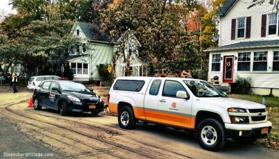 O&R responds to gas line leak during sewer construction.