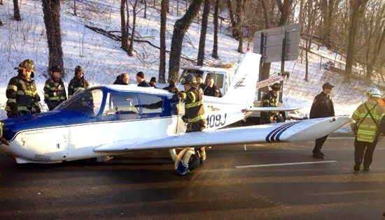 A small Piper plane made an emergency landing on the Cross Bronx Expressway Saturday afternoon/ NYC Fire Wire